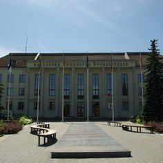 Endine Tartu postijaam, nüüd kõrgem sõjaväeline õppeasutus